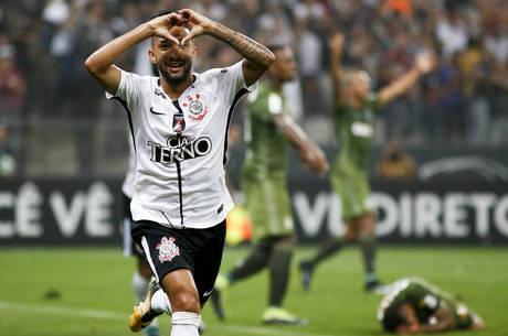 Clayson prestou depoimento após jogo com Botafogo