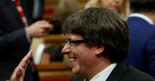 Governo catalão terá até segunda para confirmar independência