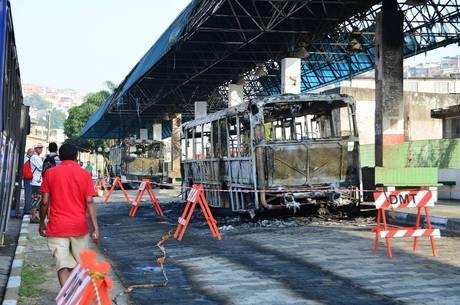 Terminal também ficou danificado com o fogo