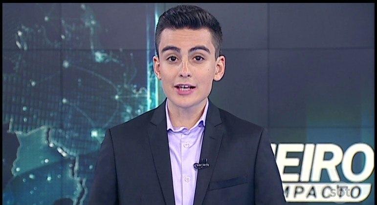 """Dudu Camargo, um dos apresentadores do """"Primeiro Impacto"""", que ganha novo horário no SBT"""