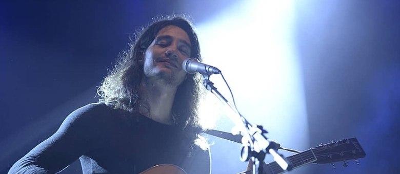 Atualmente, Tiago Iorc é uma das principais revelações da música brasileira entre os jovens