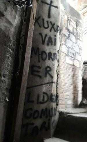 Ameaças apareceram em muros