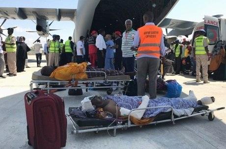 Resgate leva ferido para outro país, após ataque na Somália