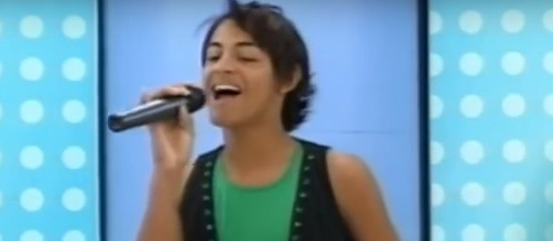 Com sobrenome de Beyoncé, Pabllo Vittar canta em programa antes de ser famosa