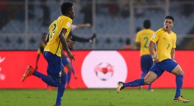Brasil buscou a virada com belos gols Weverson e Paulinho
