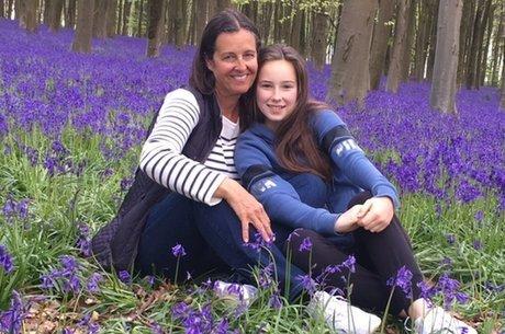 Dois anos depois de ter câncer, Alison Farmer ficou grávida de Phoebe