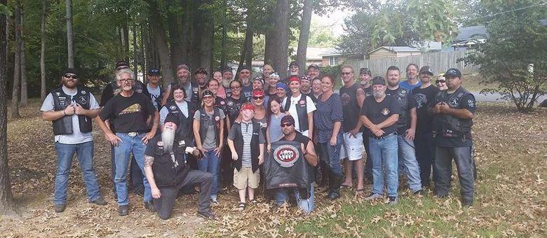 Motociclistas se uniram e criaram um evento no Facebook chamado Alex Anti-Bullying Biker Rally