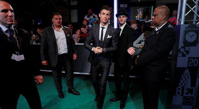 Cristiano Ronaldo chega para o The Best: craque dentro e fora de campo