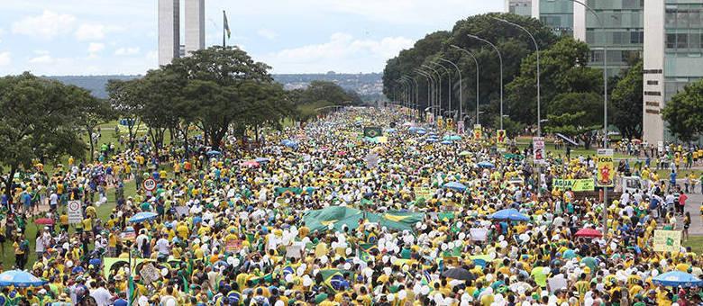 A direita pode levantar uma palavra de ordem que una multidões de brasileiros