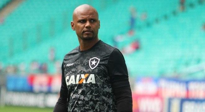 Goleiro do Botafogo teve veículo roubado e passou por susto no Rio