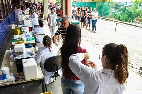 Até o momento, foram aplicadas 371.130 doses da vacina