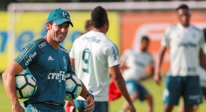 Alberto Valentim promete atacar Corinthians  sem fazer loucuras ... 9d5d812361b00