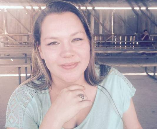 A jovem Joann Ward, mãe de Brooke e Emily, morreu na cena do tiroteio