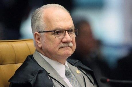 Decisão de Edson Fachin atende pedido da PGR