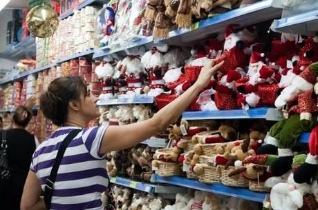 Cerca de 73% dos brasileiros vão comprar algum presente