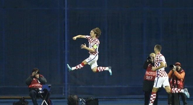 Luka Modric comemora gol pela seleção da Croácia