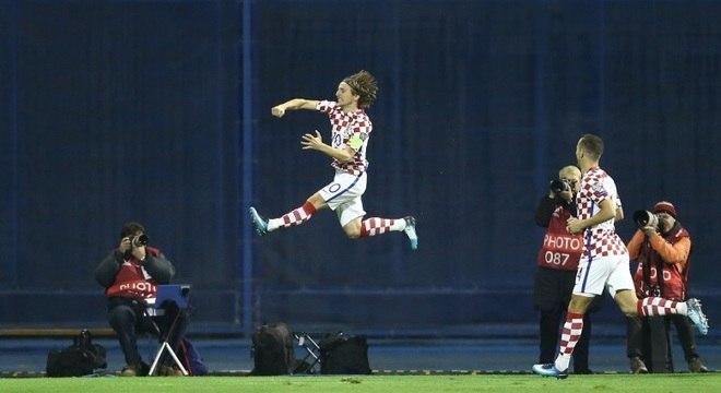 Luka Modric ditou ritmo da goleada da Croácia sobre a Grécia em Zagreb