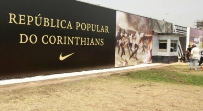 Corinthians informou que todos no CT Joaquim Grava estão seguros contra a febre