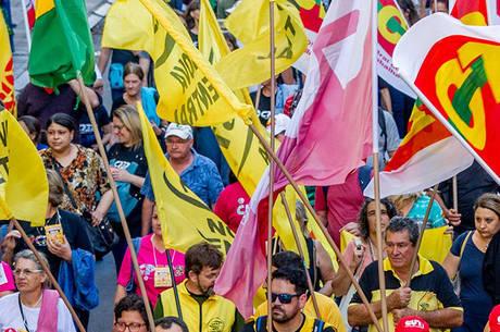 Entidades fizeram vários protestos contra reforma