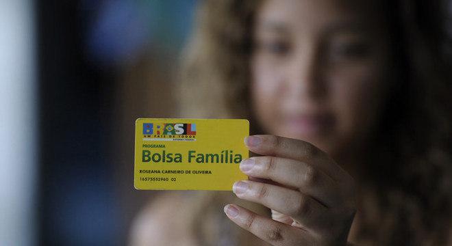 Cartão do programa Bolsa Família; Rio foi o estado que cresceu em repasses