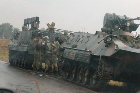 Movimentações em Harare despertaram rumores de golpe
