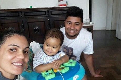 Samuel nasceu com síndrome e precisa de transplante