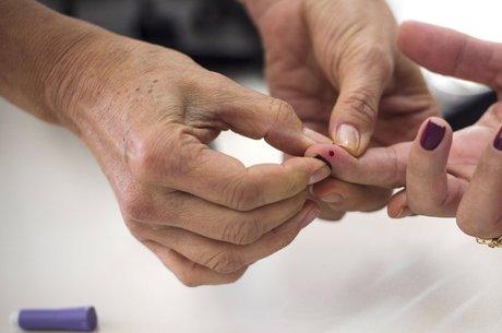 Segundo o Ministério da Saúde, o número de pessoas com os diabetes tipo 1 e 2 no Brasil subiu 61.8% na última década