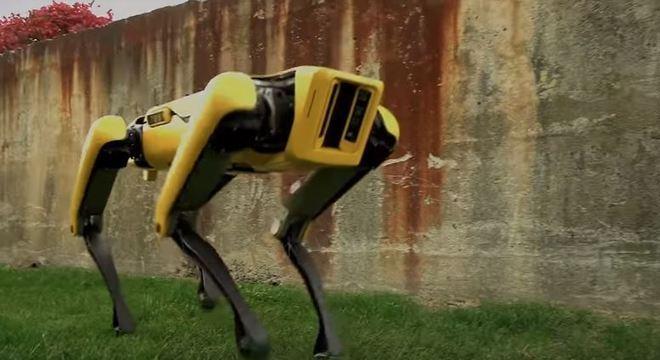 Robô agora está parecido com o melhor amigo do homem, com movimentos fluidos