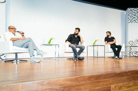 Debate entre Arthur Casas, Matheus Seco, Bruno Santa Cecília e Raul Juste Lores