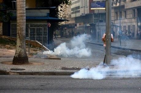 Bombas de gás foram lançadas