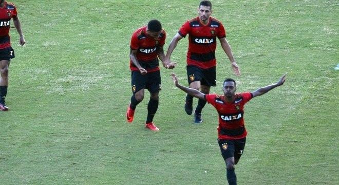 Marquinhos fez o gol que tirou o Sport do sufoco contra o Bahia