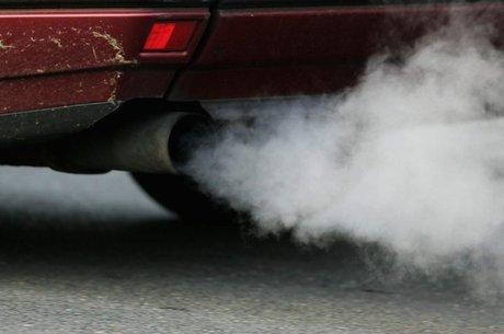 Governos de países europeus e asiáticos pretendem proibir a venda de carros movidos com combustíveis fósseis