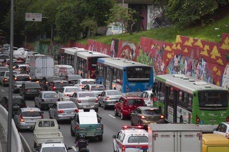 Governo brasileiro está elaborando o Rota 2030, nova política industrial para o setor automotivo