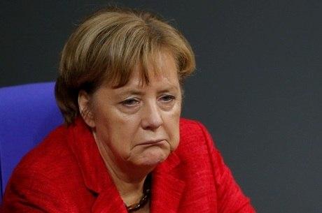 Merkel arrisca o cargo para evitar governo de minoria