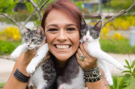 Cristina Cruz participa de campanha de adoção