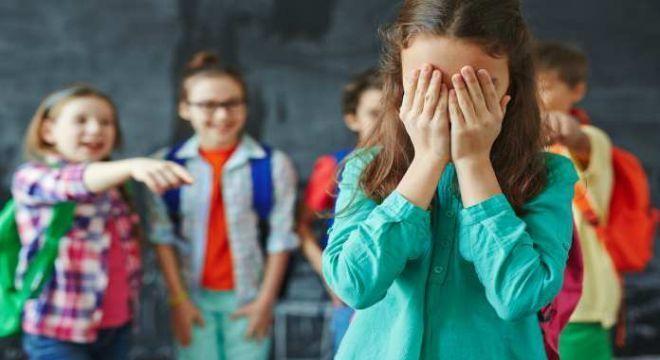 Antes restrito às salas de aula, o bullying se potencializou nas redes sociais