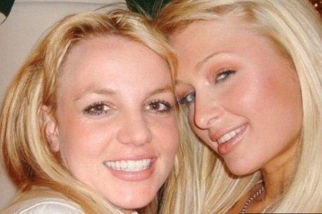 2006: Paris disse que as duas teriam 'inventado' a selfie