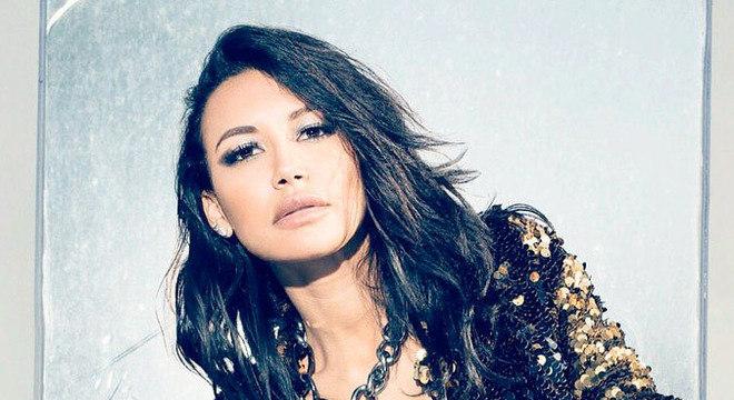 """A atriz Naya Rivera é conhecida por interpretar a personagem Santanna Lopez em """"Glee"""""""