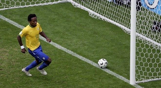 Zé Roberto deixou sua marca contra Gana na Copa de 2006
