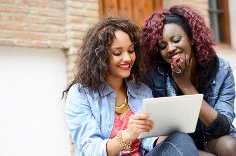 5cfc82b01765c0 Grupo online incentiva trabalho de mulheres para mulheres - R7 Meu ...