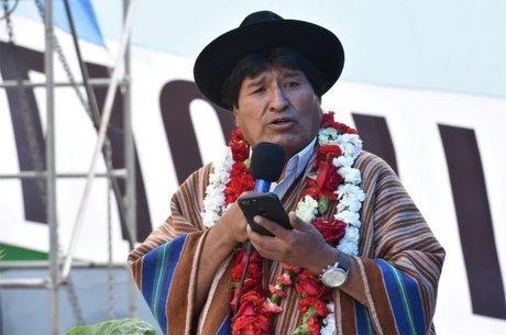 Decisão da corte constitucional boliviana acatou argumentos de correligionários do presidente Evo Morales