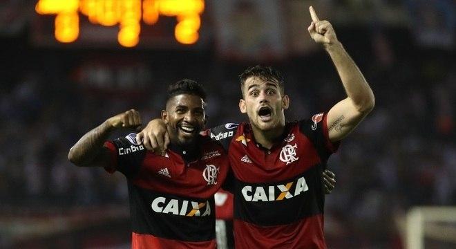 Vizeu comemora o primeiro sobre o Junior de Barranquilla: Mengão na final