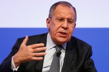 Chanceler russo Lavrov faz discurso em Roma