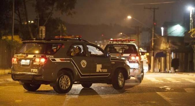 Dois suspeitos conseguiram fugir e não foram localizados