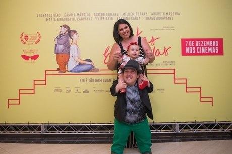 O ator junto da mulher, Carol, e da filha Luiza