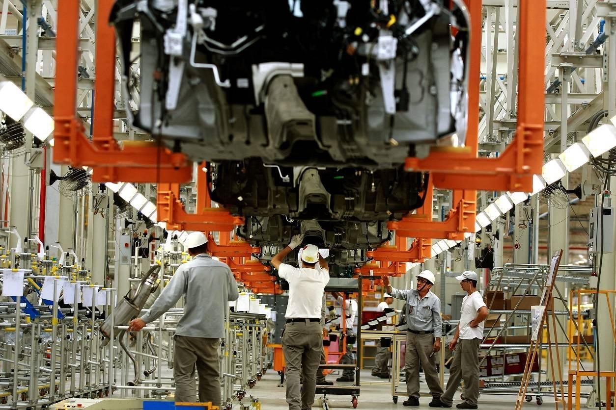Produção industrial cresce 0,2% em fevereiro