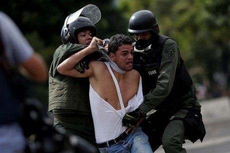 Governo venezuelano foi acusado de prisões arbitrárias