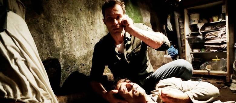 César salva o sobrinho de Raquel