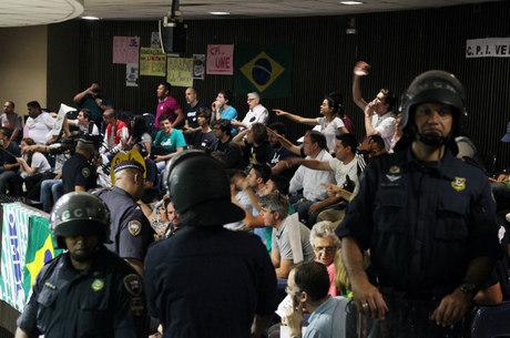 GCM dividiu o auditório da Câmara Municipal para evitar conflito