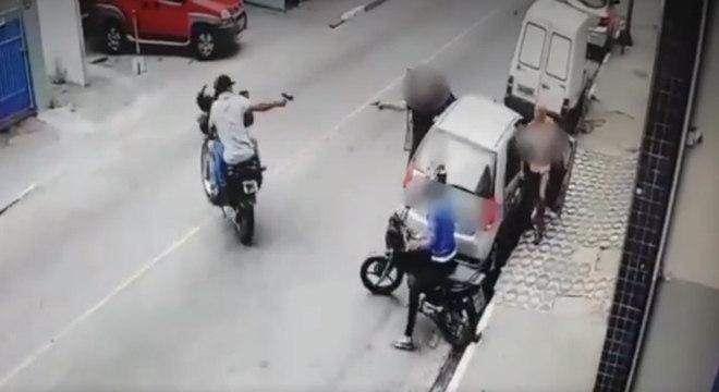 Troca de tiros aconteceu na tarde desta quinta-feira (7)